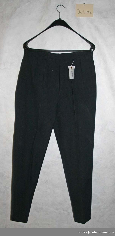 Uniformsjakke og - bukse