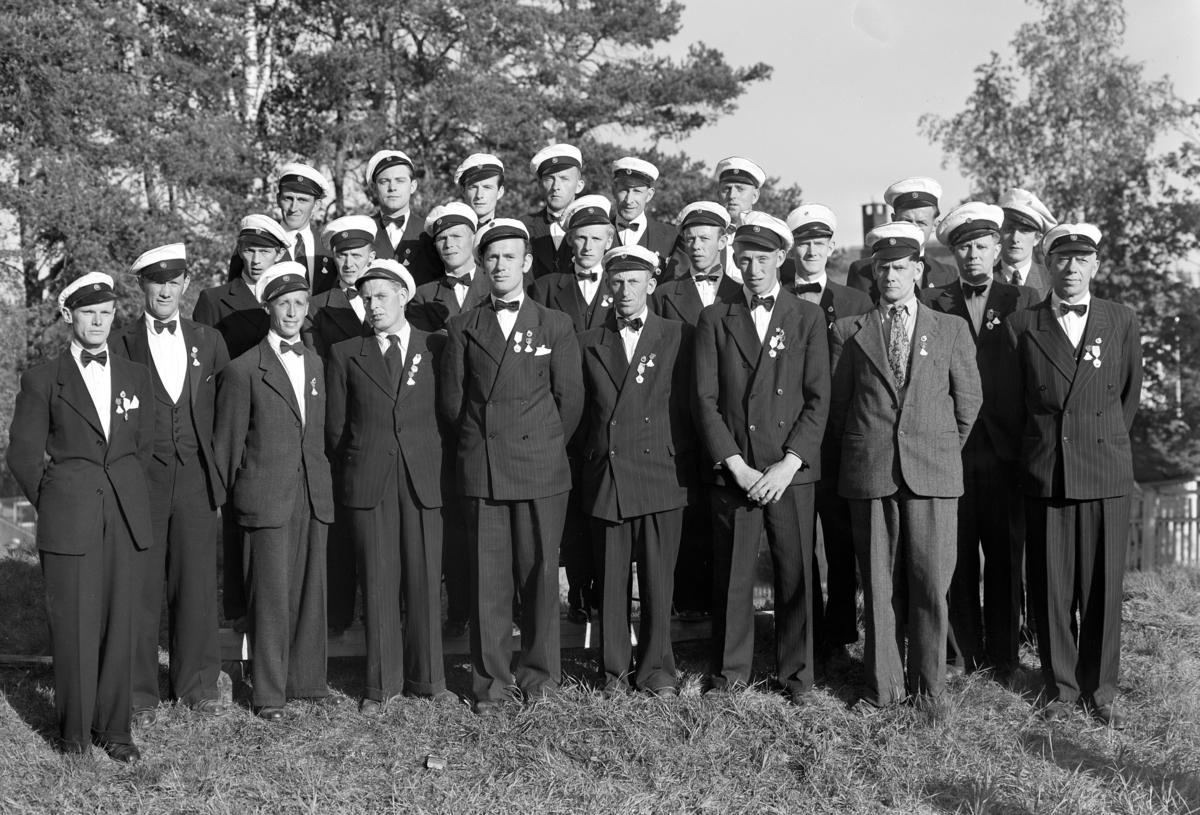 HEDMARK OG OPPLAND SANGERSTEVNE PÅ HAMAR 28. 05-1947.  ESPA MANNSKOR. Gruppe 24 sangere.