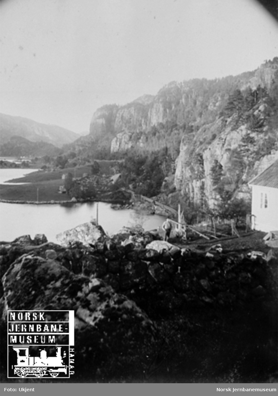 Fra Flekkefjordbanen før anlegget, parti ved Grisefjorden nordover til Løkene