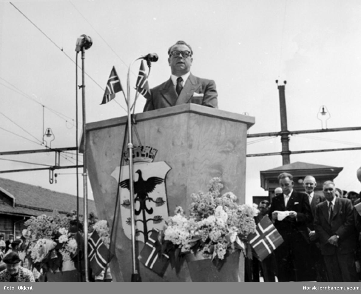 Generaldirektør Halvdan Stokke taler