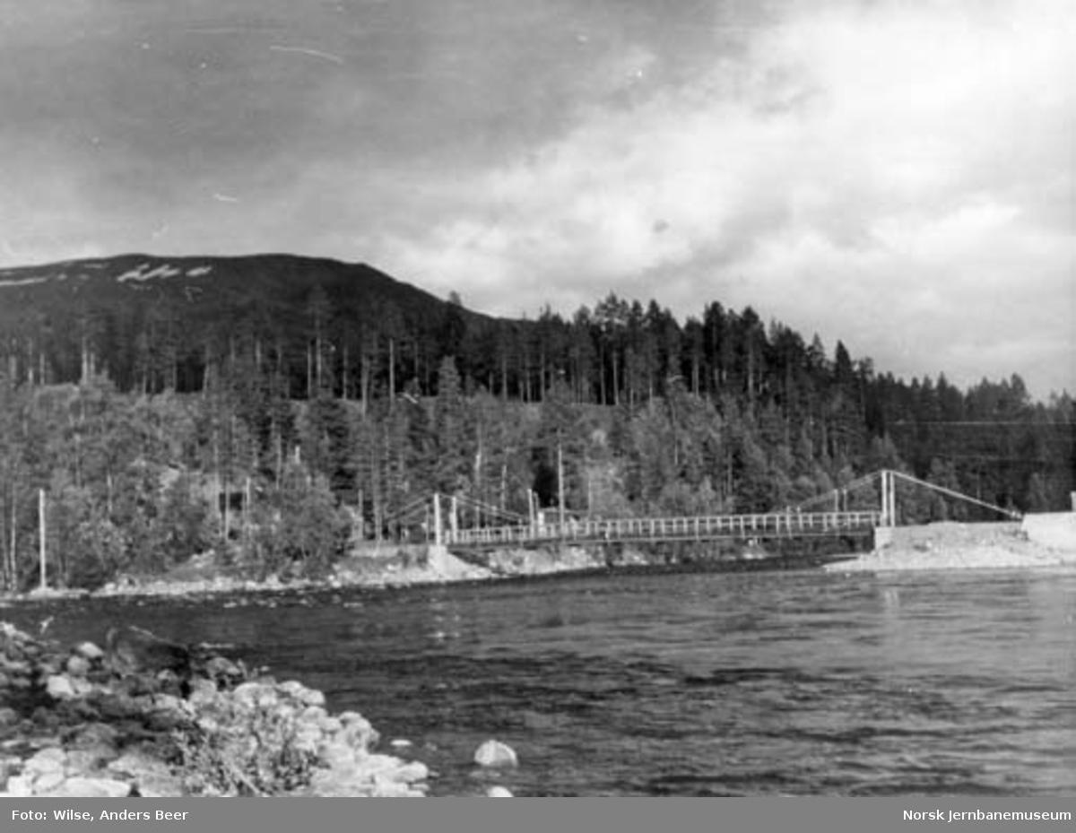 Nordlandsbaneanlegget : hengebru ved Storjord