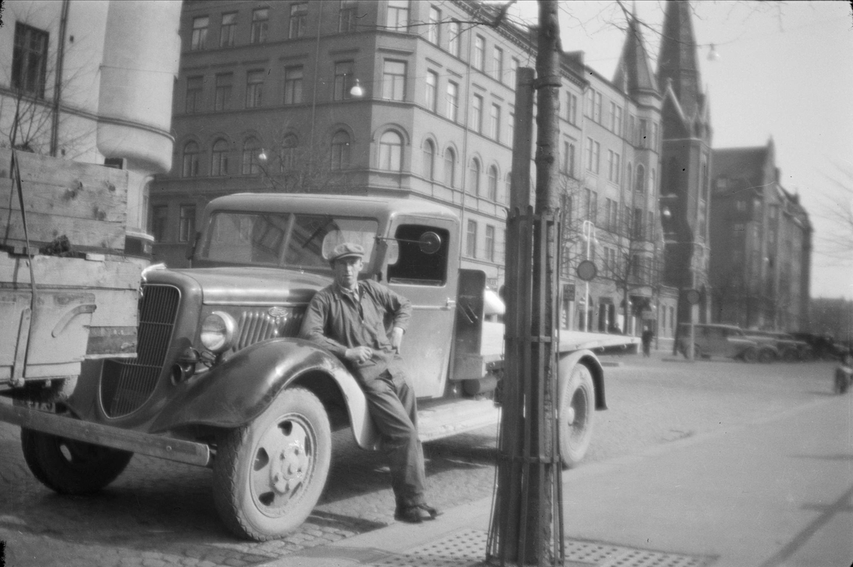 Åkare på gata i Stockholm, 1940 - 50-tal