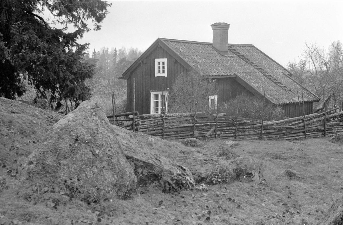 Bostadshus, Östbergstorpet, Dalby socken, Uppland 1984