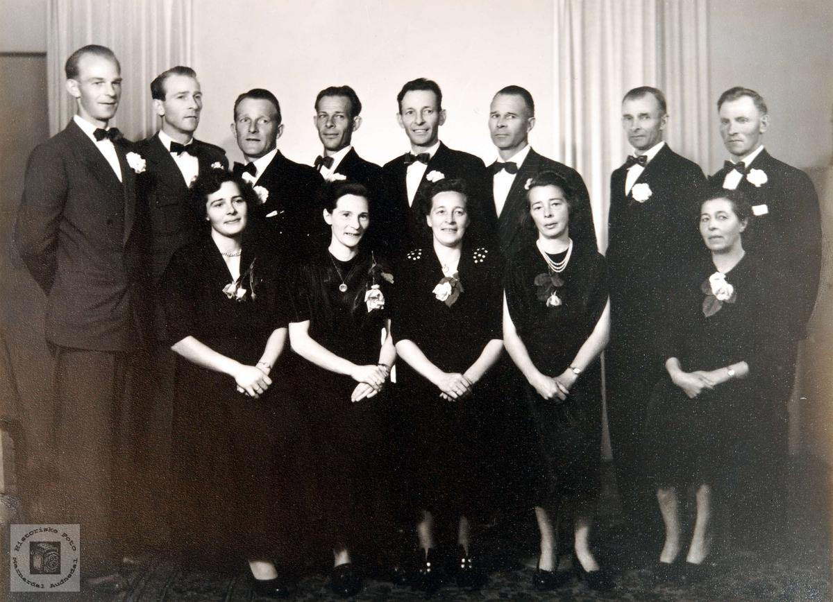 Portrett av familien Hægeland i Konsmo.