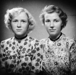 Søstrene Gerda og Agnes Øydna. Grindheim.