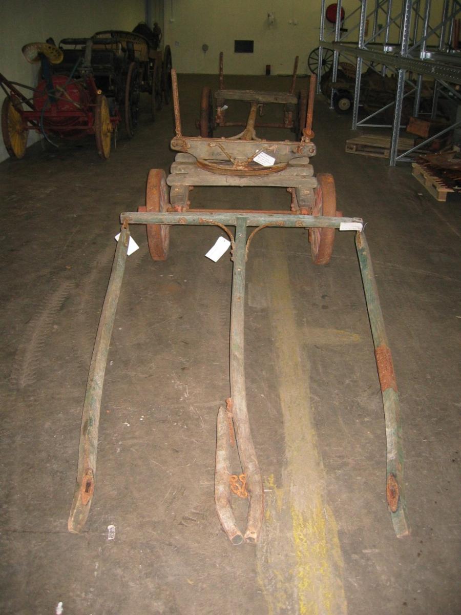 for transport av trelast og lignende(5 deler)(Bildet viser vogna montert)  Tospann, 4 hjulsvogn med stillbar hjulavstand for transport av trelast