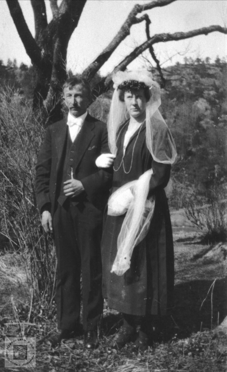 Bryllupsbilde av Thyge og Mathilde Breland, Øyslebø.