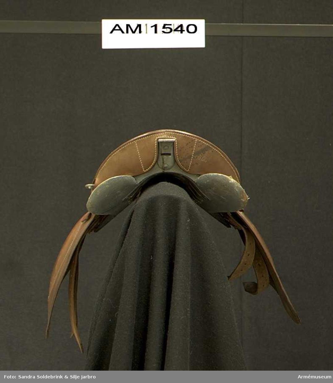 Samhörande nr är 1540-1543.Sadel m/1900, typ 1A/S.Nr 660.