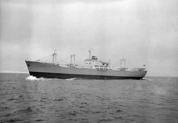 M/T Holtheim DWT.12.630 Rederi Holter-sörensens Tankrederi, Oslo Norge Kölsträckning 55-05-17 Nr. 140 Leverans 55-01-10 Lastfartyg