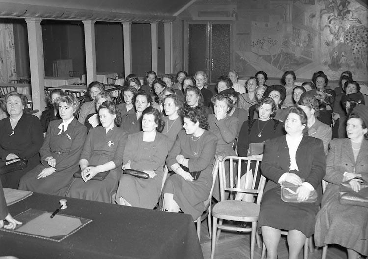 "Enligt notering: ""Folkpartiets Damgille 23/1 1949""."