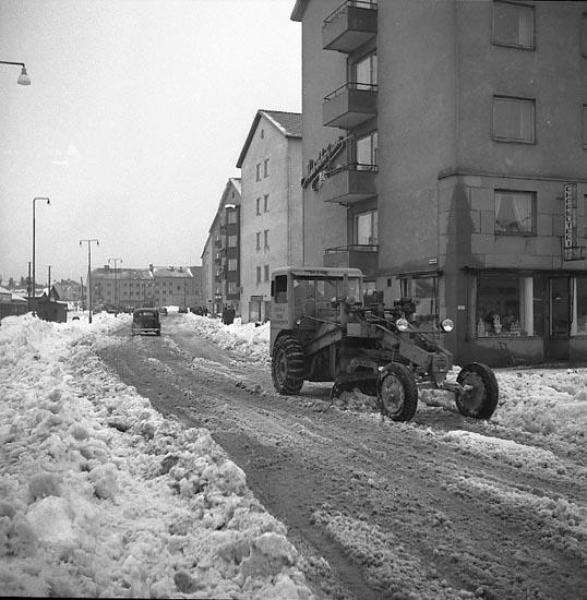 """Enligt notering: """"Snöröjning Jan 1951""""."""