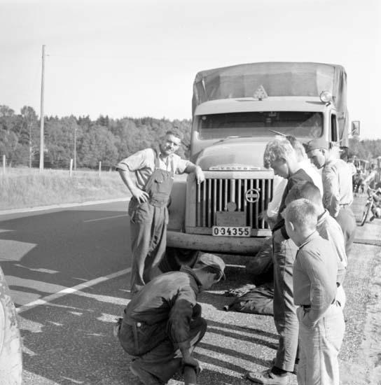 """Enligt notering: """"Bilolycka Backamovägen 4/9 -59""""."""