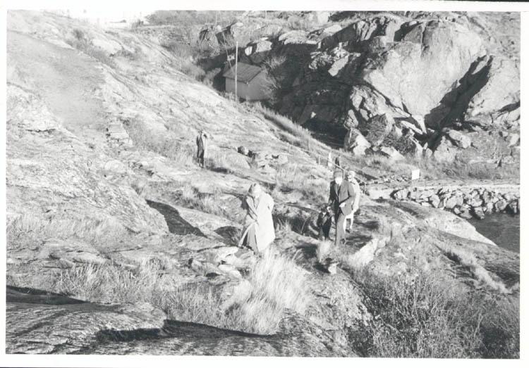 """Noterat på kortet: """"Marstrand. Från promenadvägen vid södra inloppet. 4.11.1961."""""""
