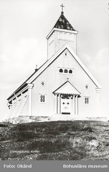 """Tryckt text på kortet: """"Stenungsund.Kyrkan."""" ::"""