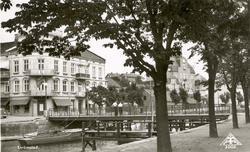 """Tryckt text på kortet: """"Strömstad.""""  ::"""