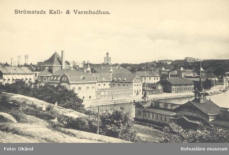 """Tryckt text på kortet: """"Strömstad Kall- & Varmbadhus."""" """"Le Moine & Malmström, Konstförlag, Göteborg."""""""