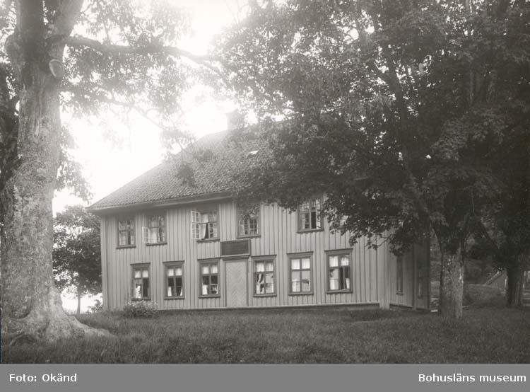 """Noterat på kortet: """"Gustavsberg Uddevalla."""" """"Gamla Barnhuset."""""""