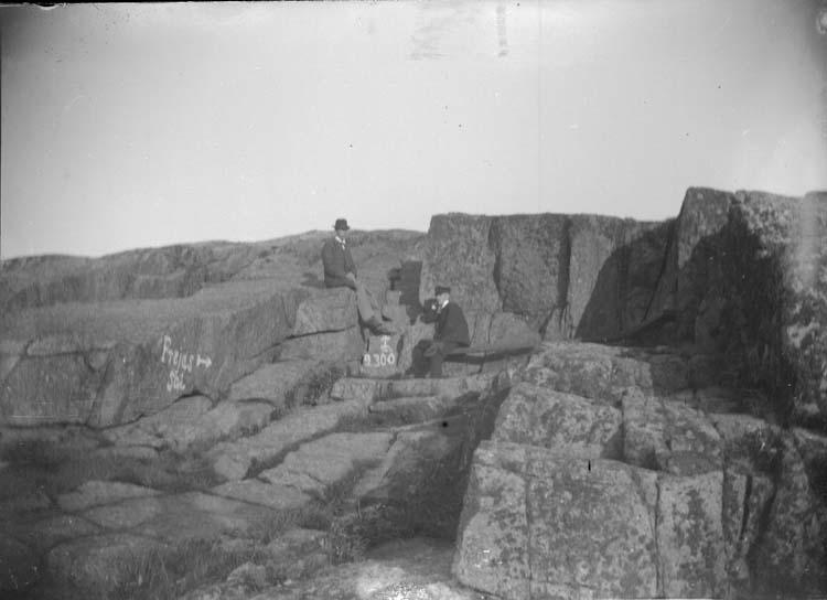 """Enligt text som medföljde bilden: """"Lysekil. Stångehufud Frejas sal 1897."""""""