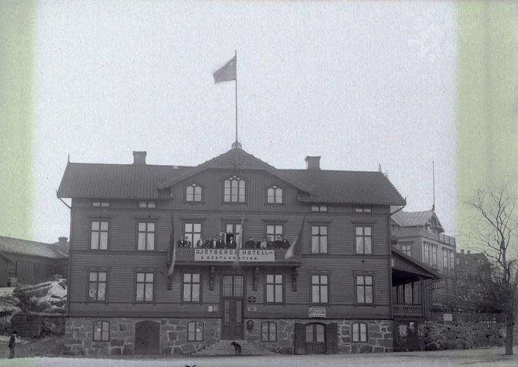 """Enligt text som medföljde bilden: """"Gjöthbergs Hotell."""" ::"""