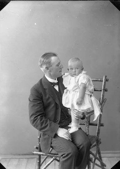 """Enligt fotografens journal nr 2 1909-1915: """"Fågelberg""""."""