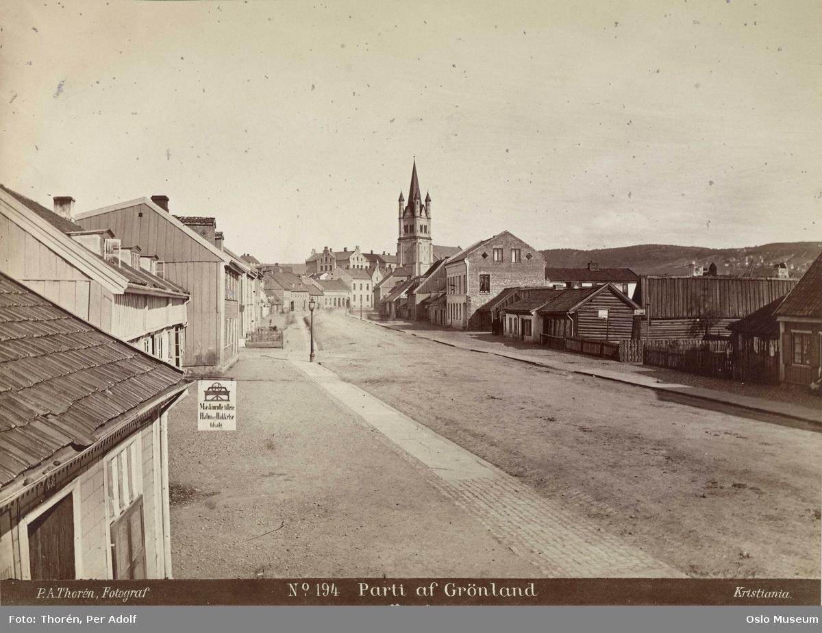 gateløp, trehusbebyggelse, firmaskilt, Grønland kirke