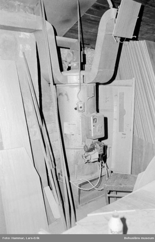 "Motivbeskrivning: ""Widholms industri AB, varmluftpanna."" Datum: 19800911"
