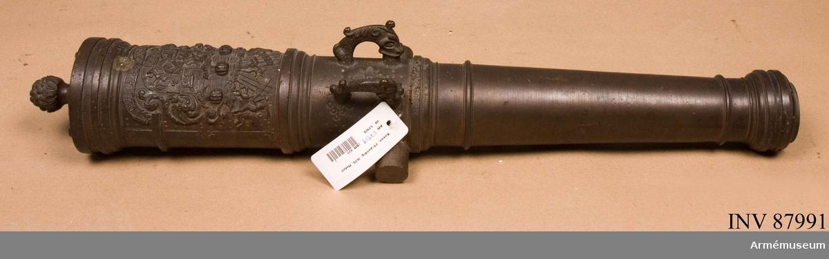 Grupp F I. Skala 1/4. Kanonen har greve Torstensons vapen på kammarstycket.