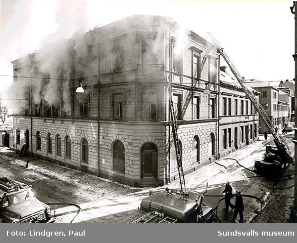 Kyrkogatan 3. Eldsvåda, brandkår.