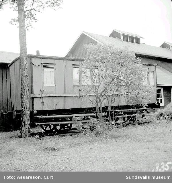 Järnvägen Wattjom-Matfors. Lok, personvagn med 2:a o 3:e klass.