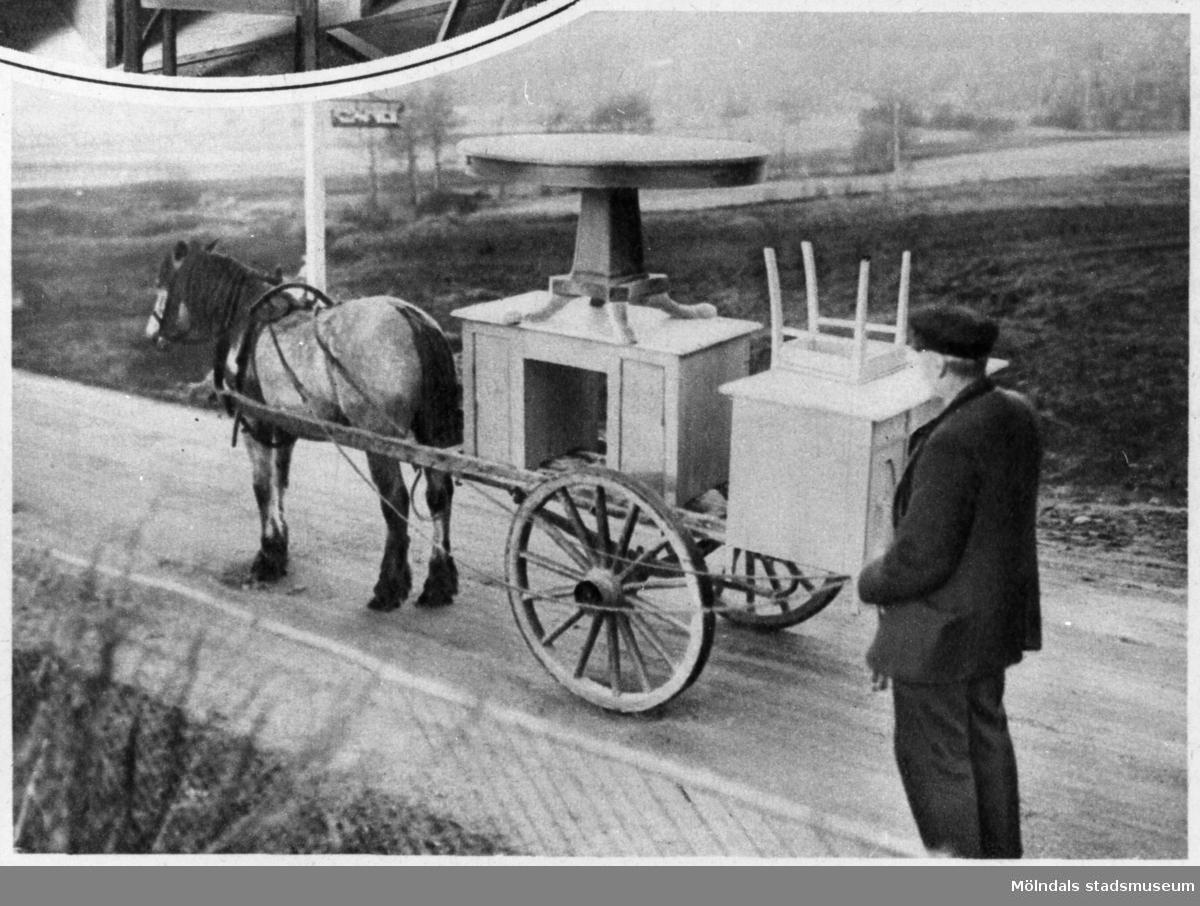 """Transport av lastade möbler, s.k. """"möbelfora"""".Bilderna 1993_0448-0453 är reproduktionsfotograferade ur en artikel i Vecko-Journalen, från år 1930, angående möbelsnickeriverksamheten i Lindome."""