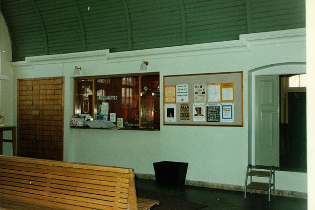 Postkontoret 700 11 Örebro Karlsrovägen 9, Mosås Järnvägsstation
