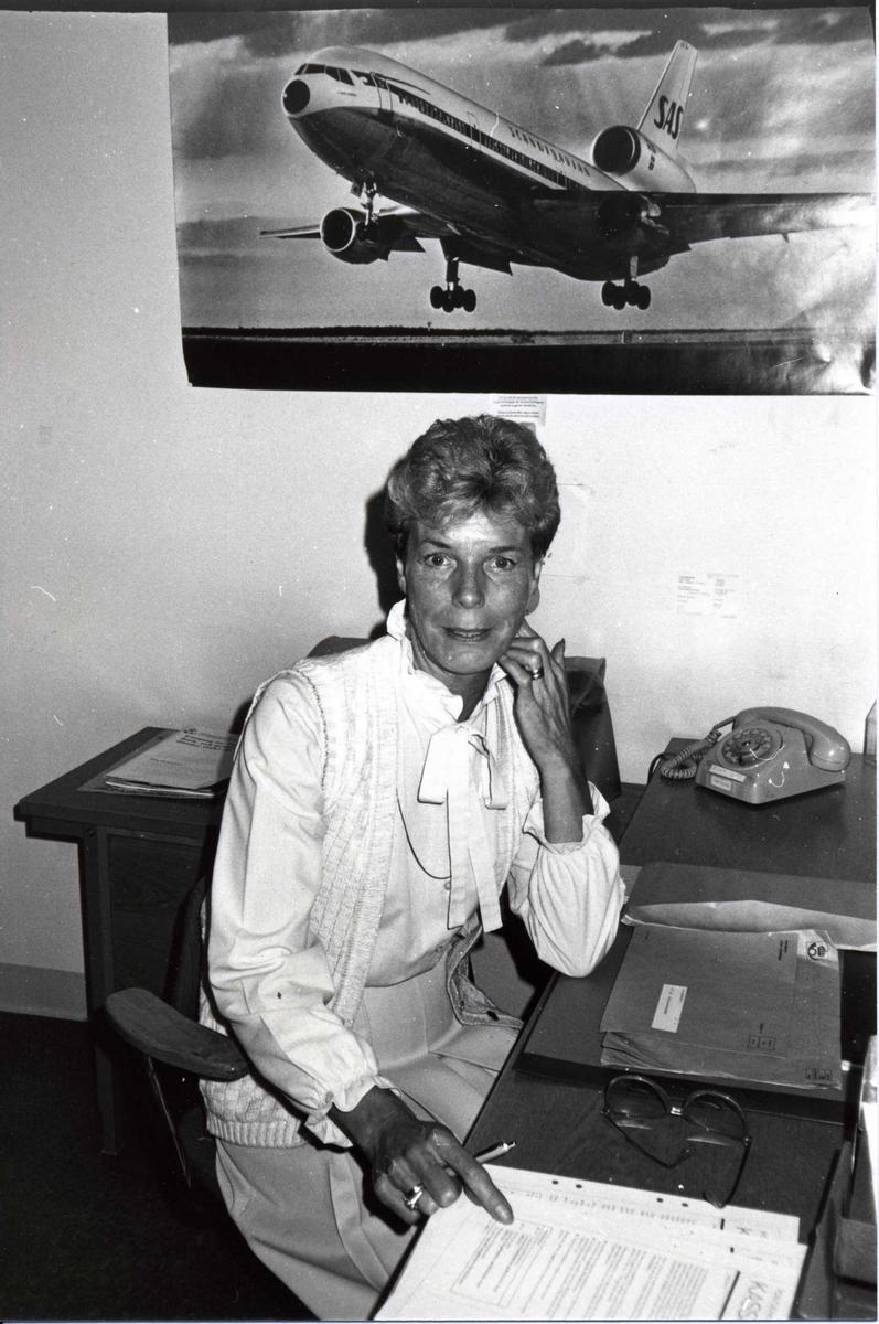 """Vi måste vara flexibla och ha känsla för service, kanske många gånger litet """"opstala"""", menar postmästare Anne-Marie Uman som är på bilden."""