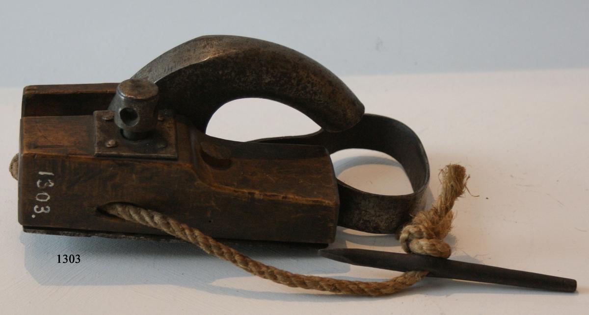Kanonlås av järn och trä, modell av överkonstapel Andersson.
