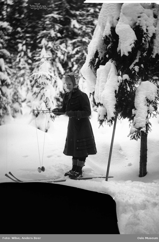 jente, diabolospill, ski, skog, snø