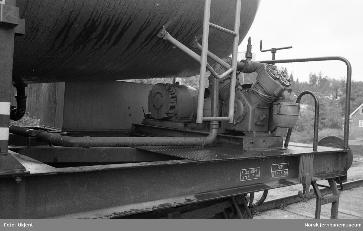 Spesialvogn for kalkmel for transporter for Franzefoss Bruk A/S, litra Uac 920 5000 - vogndetaljer