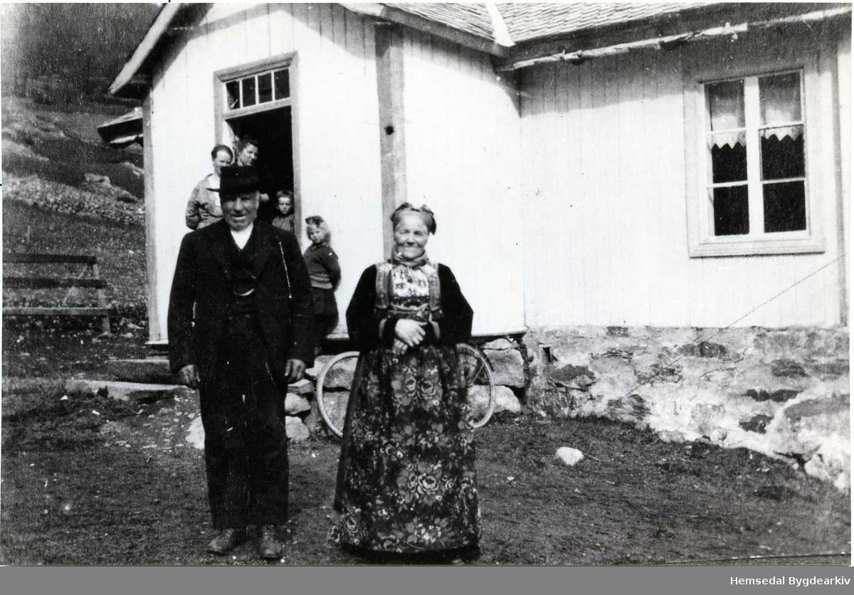 Margit og Torleiv Kyrkjebøen frå Hemsedal i 1937.