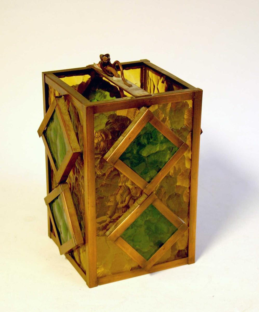 Rektangulert forma lykt/lampe med innfeldt farga glas