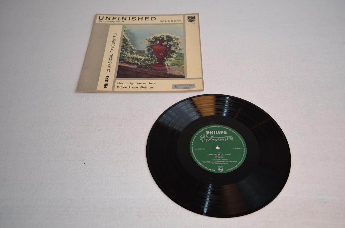 Grammofonplate med etui i papp. På pappetuiet er det bilete av ei blomsterpotte med fjellandskap i bakgrunnen.