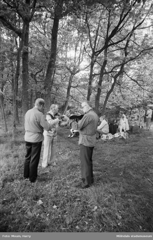 Gökotta i Kållered, år 1984.  För mer information om bilden se under tilläggsinformation.