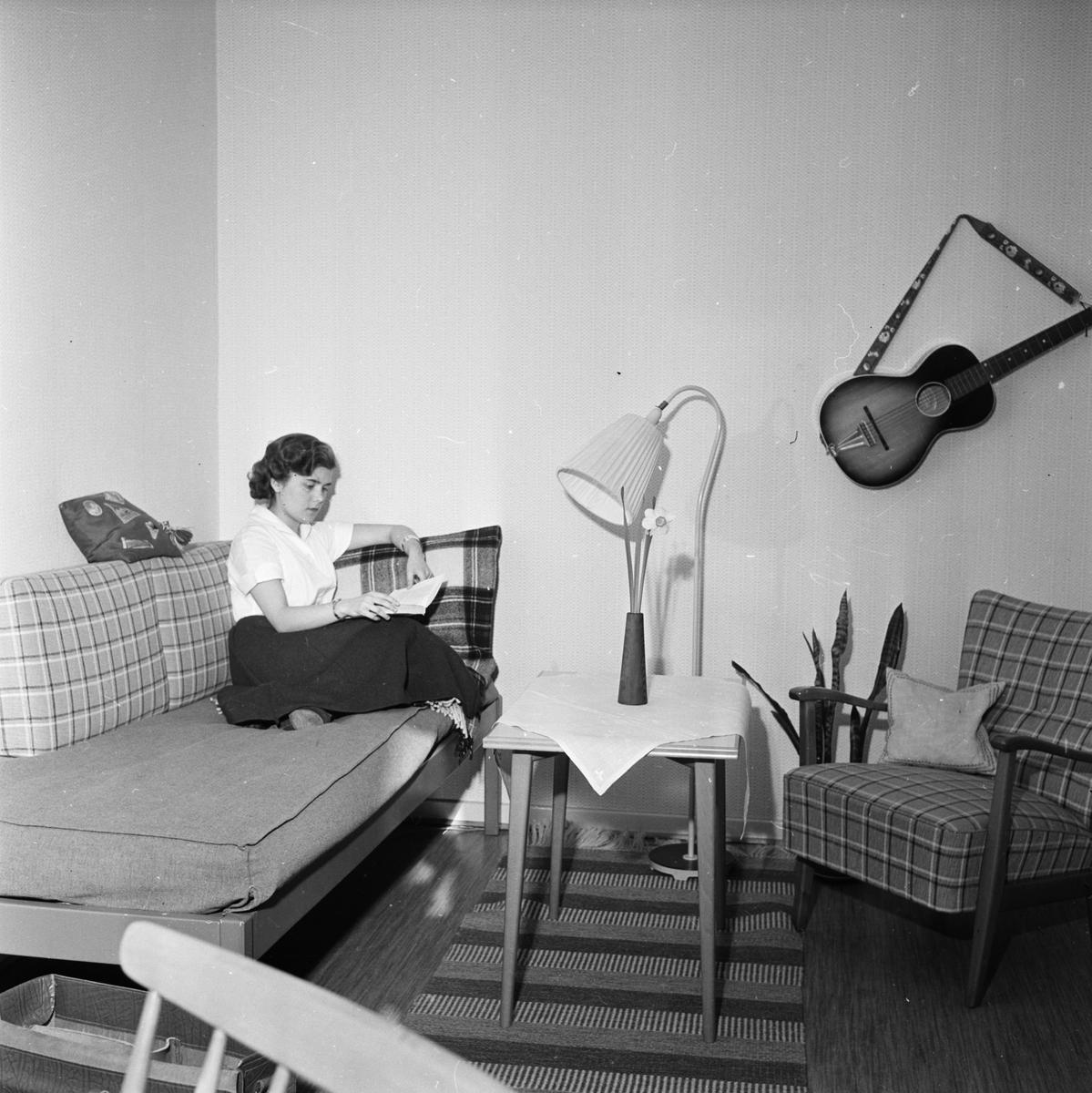 """""""Modärna och omodärna studentrum"""", Uppsala 1956"""
