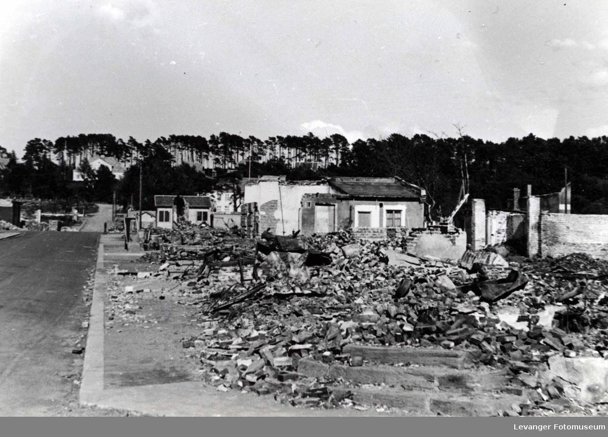 Utbombede hus i Steinkjer.