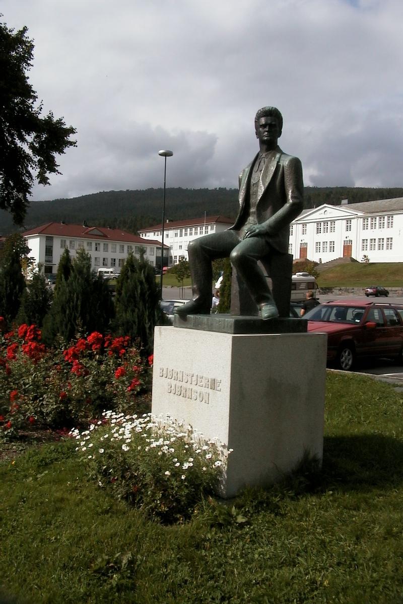 DOK:2002, Molde, Bjørnson, statue,