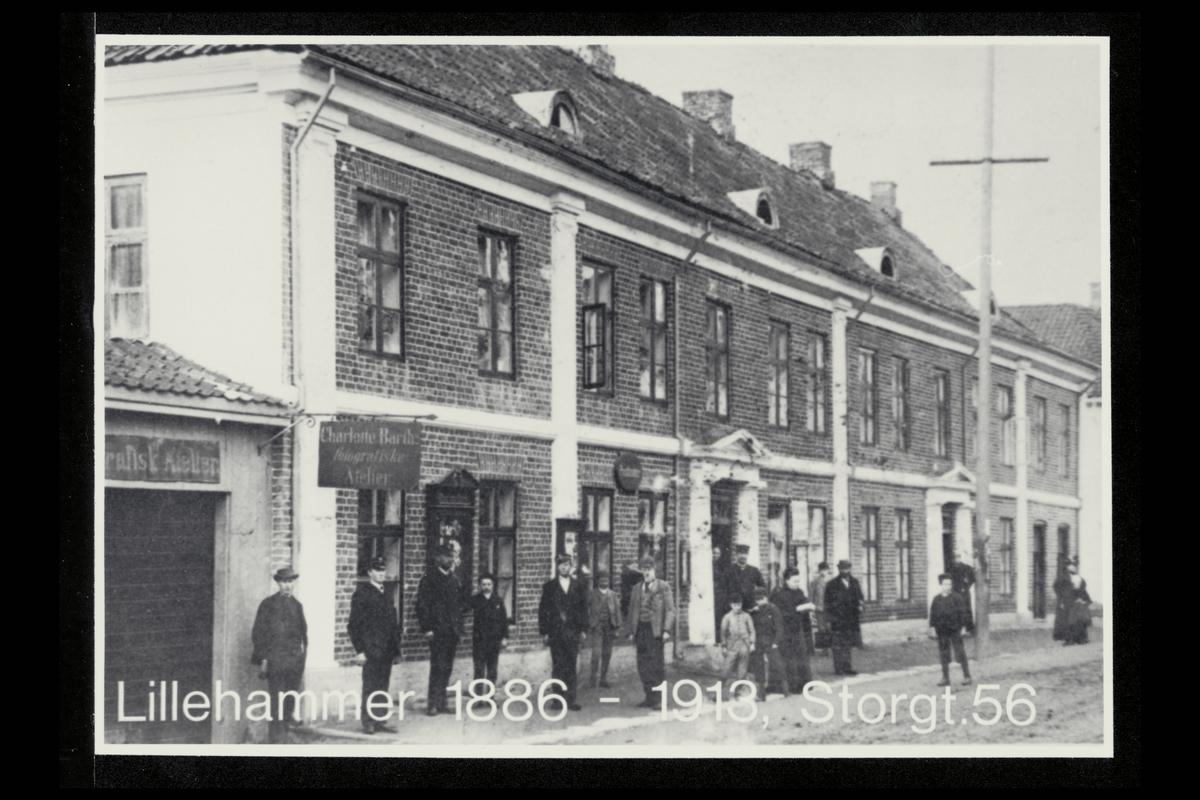 eksteriør, postkontor, 2600 Lillehammer, menn, kvinner
