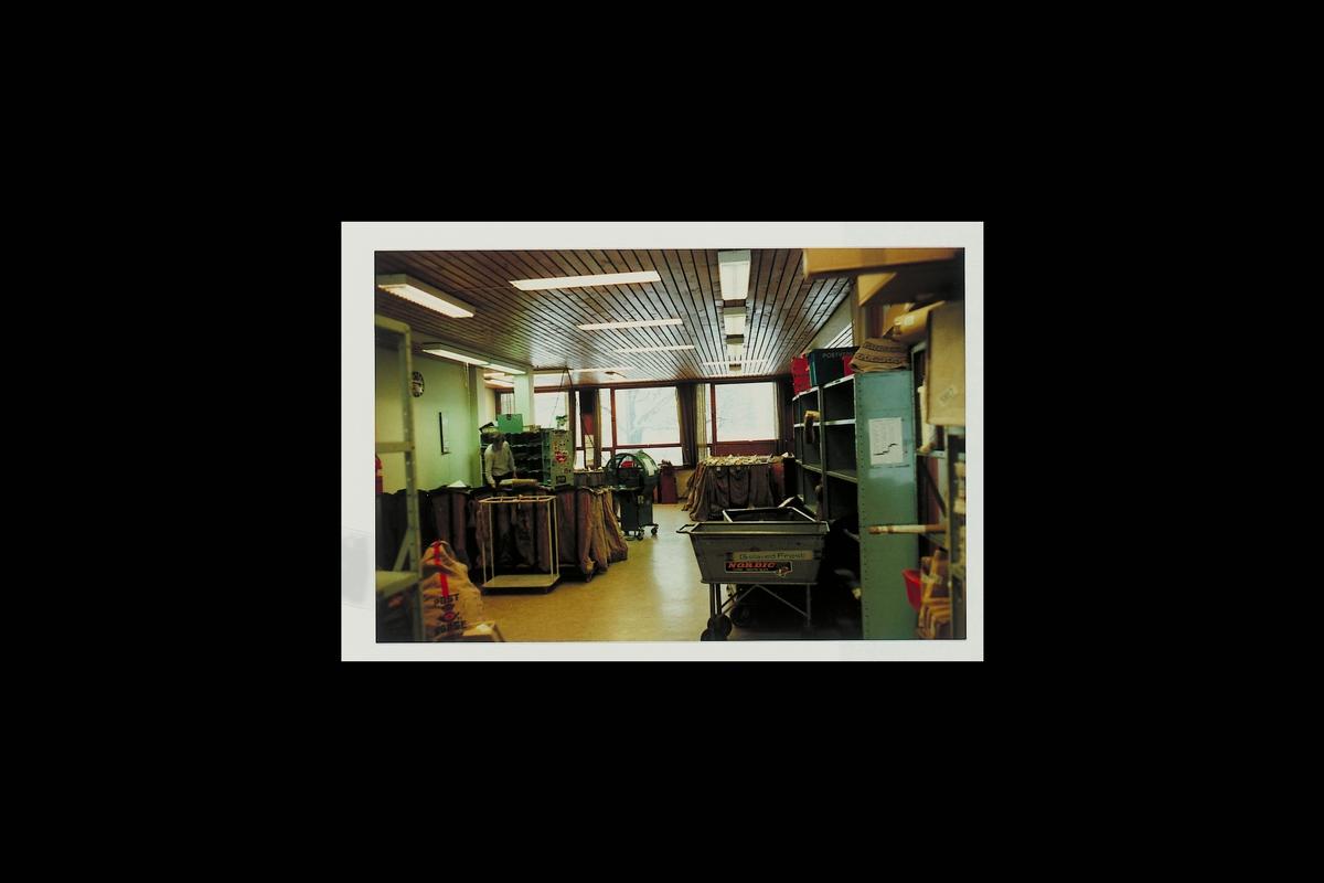 interiør, postkontor, 3600 Kongsberg, postsekker, sekkestativ, buntemaskin