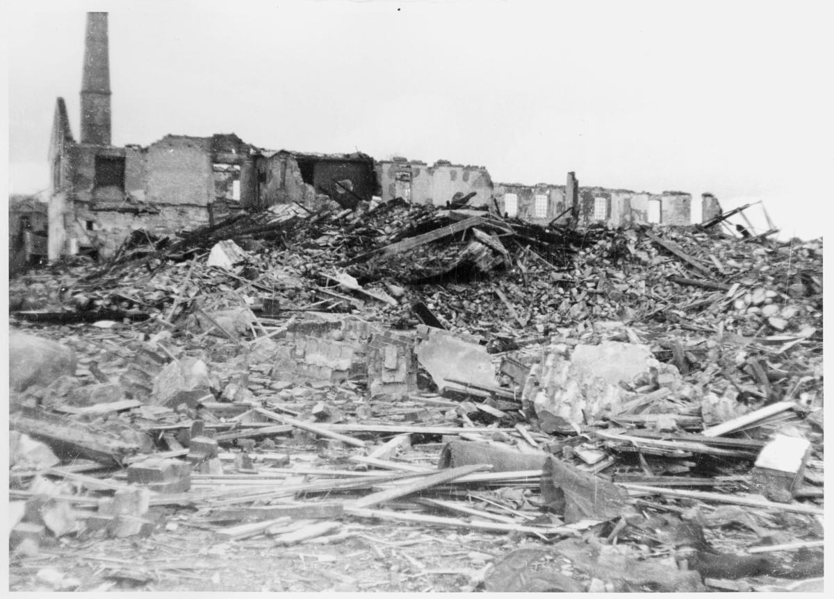krigen, Valløy oljeanlegg, eksteriør, ruiner, flyangrep