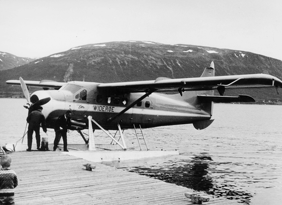 transport, fly, eksteriør, Tromsø, sjøfly, Otterfly, på vann, menn, Tromsø-Bodø