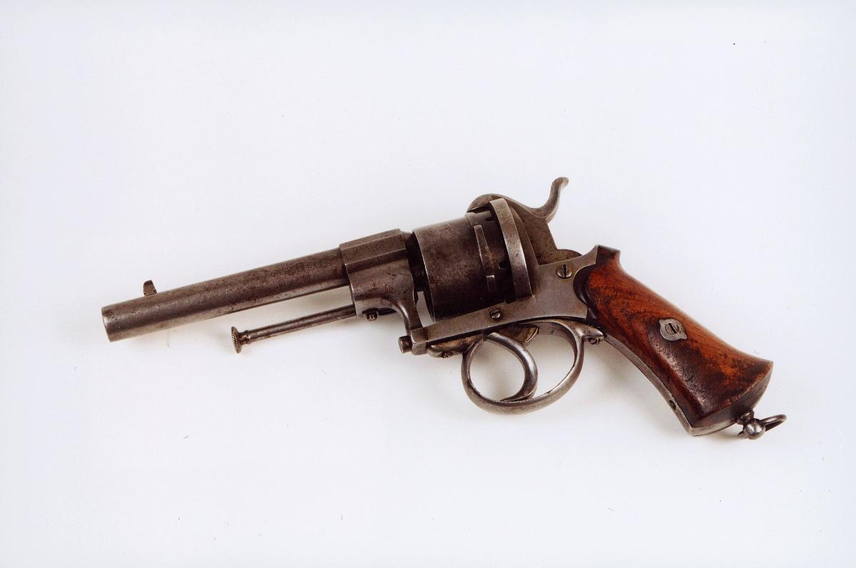 postmuseet, gjenstander, våpen, revolver, selvspennende revolver, kaliber 9 mm