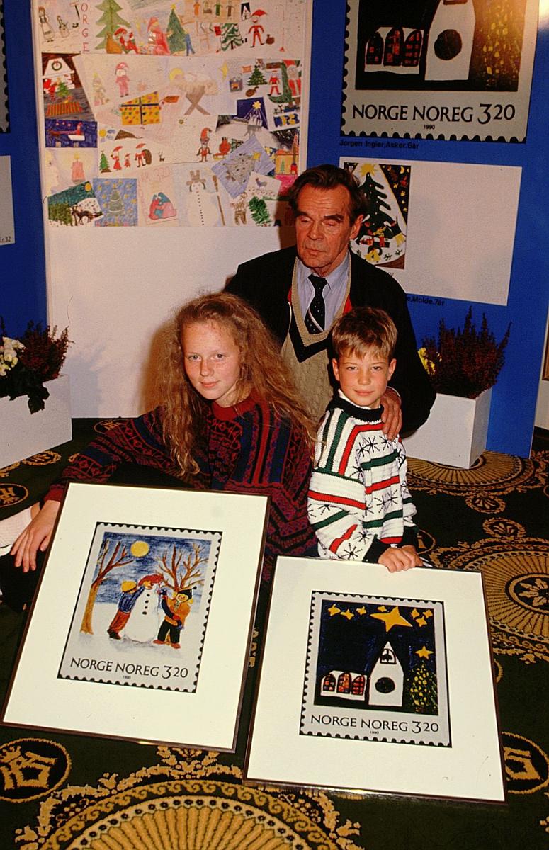 postmuseet, Kirkegata 20, utstilling, julefrimerker, tegnekonkurranse for barn, NK 1106, NK 1107