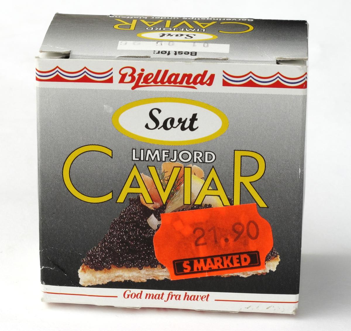 Eskens motiv: Kanapeer med sort Limfjord Caviar på egg mm.