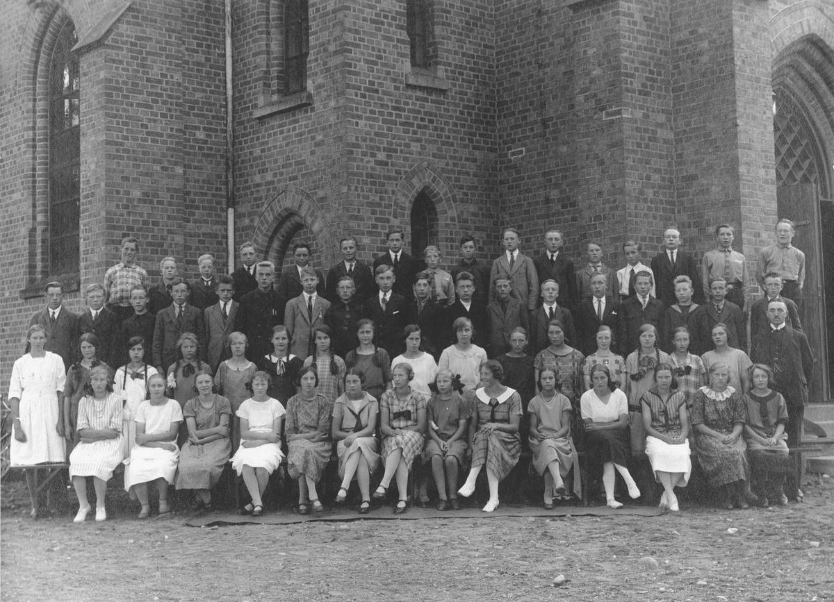Konfirmanter i Ås kirke 1925.